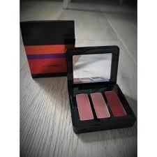 kit de maquillage mac cosmetics prune rose rouge