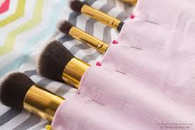 makeup brush roll brushes on iheartnaptime