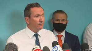 Victorians could be sent into a snap hard lockdown which would see tough 'stay at home' measures reinstated in a bid to stamp out the rising holiday inn coronavirus outbreak. 2nyysnewnjcmpm