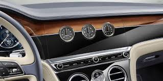 2018 bentley suv. perfect suv bentleyu0027s new infotainment unit sits on a threesided rotating display  which starts with no screen when the vehicle is off to give illusion of  in 2018 bentley suv