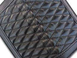 diamond stitch parts of the surface use a 2 cm thick polyurethane are laid out in the ヘビーステッチ we choose nickel silver color hardware color dot