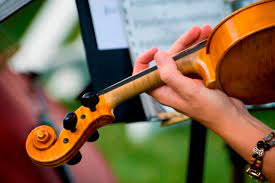 There is no difference between a philharmonic orchestra and a symphony orchestra as they comprise of exactly the same instruments. Classical Music Vocabulary With A Glossary Of Terms For Symphony Orchestra What Is A Concerto Overture Fanfare Movement Requiem Crescendo Music And Concerts