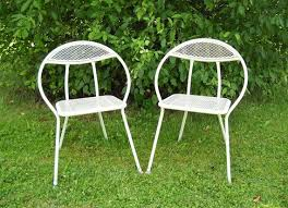 white metal patio chairs. 2 Mid Century Modern Chairs By MomsantiquesNthings On Etsy - Imagine Relaxing In Your Backyard This Set Of White Metal Patio Chairs! R