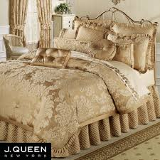 Understand The Background Of Bedroom Comforter Sets With & Bedroom Quilts And Curtains Also Best Comforters Ideas 2017 . Adamdwight.com