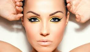 you heard it right yellow makeup is really awesome if you know how to use it perfectly r stars try this for a gorgeous look same dress with same make