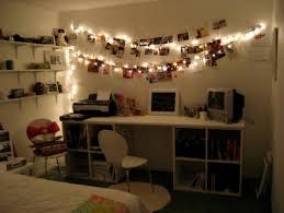 Resultado de imagem para quartos decorados com luzes e fotos