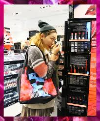 what sephora staffers really think when you do your makeup in the