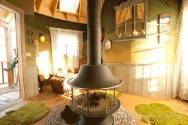treehouse masters irish cottage. Exellent Cottage Irishcottagesh4 And Treehouse Masters Irish Cottage T