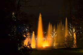 night time fountain show