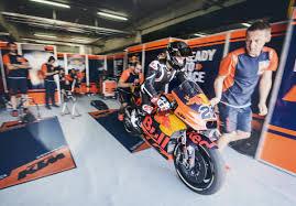 2018 ktm rc16.  Ktm Markus Reiterberger U0026 Mechanics KTM RC16 Box MotorLand Aragon 2017  Copyright  Sebas Romero  Media Library In 2018 Ktm Rc16
