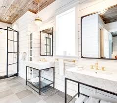 Farmhouse Closet Bathroom – Provost Citywide