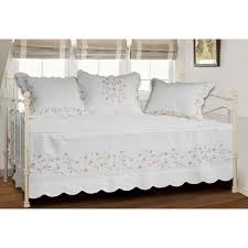 Furniture: Daybed Bedskirt | Daybed Skirts | Quilted Bed Skirts & Daybed Bedskirt | Daybed Skirts | Quilted Bed Skirts Adamdwight.com