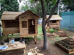 pallet tree house plan