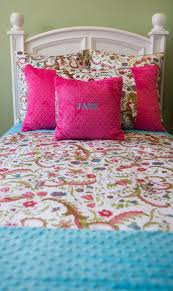 white fl hot pink or turquoise twin bed set