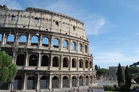 Seitdem spielt die treppe eine wichtige rolle in der geschichte der stadt rom: Tour Durch Rom Start Am Kolosseum Ziel Die Spanische Treppe L Tagestour Romurlaub Com