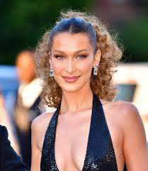 Bella Hadid Just Chopped Her Hair Into ...