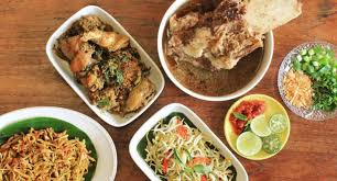 Salah satu menu makanan yang selalu digemari masyarakat indonesia ini juga tersohor hingga penjuru dunia. 9 Makanan Tradisional Enak Buat Ide Kuliner Kamu