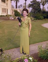 If you wanna be tough, grow a vagina. Betty White Pictures 12 Never Before Seen Photos Of Young Betty White