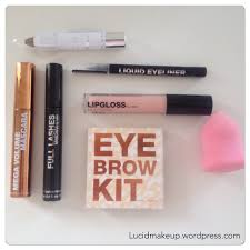 h m makeup line