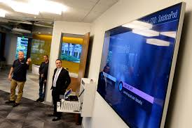 ucla extension shows off new high tech woodland hills cus