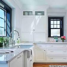 roman white granite