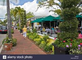 Outdoor restaurant on 3rd street south in naples florida