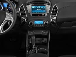 Image: 2011 Hyundai Tucson FWD 4-door Auto Limited PZEV Instrument ...