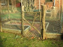 A Black Locust Connection Fence PostsRails
