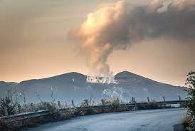 Vulcano continua a preoccupare, prelevati campioni di gas - Giornale di  Sicilia