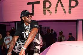 just in time for thanksgiving weekend 2 chainz reopened his pink trap house in atlanta it was originally opened this summer in celebration of his fourth