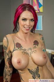 Busty Anna Bell Peaks with Pierced Nipples Image Gallery 261256