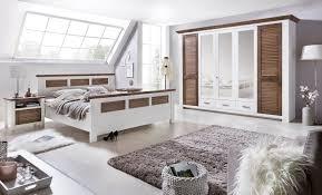 Braun Holz Teilmassiv Komplett Schlafzimmer Online Kaufen Möbel