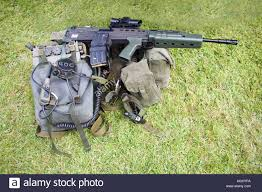SA 80 Enfield L85A1 Fusil automatique - Automatic rifle . Images?q=tbn:ANd9GcQ19xrDgNPZLw5teKTWyUOsDaoWuQae3fFfEg&usqp=CAU