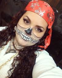 pirate makeup in skull style