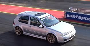 Watch a 550 HP Volkswagen Golf IV R32 Accelerate Like a Bat out of ...