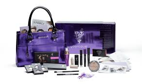 here is what es in the 99 younique presenter s kit