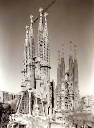 The basílica de la sagrada família (catalan: History Of The Temple Sagrada Familia Sagrada Familia