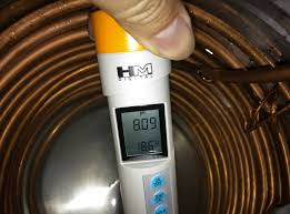 i put in some water into the stainless steel tub enough to cover at least 85 of the copper coil the water is just to help the thermal conduction between