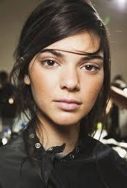 7 2016 mugeek vidalondon share kendall jenner makeup bag video