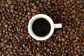 zit er cafeïne in oploskoffie