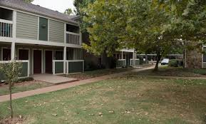 The Greens At Moore Bedroom Apartments In Okc Norman Ok Near