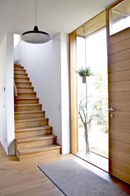 Der flur ist dafür da, um uns einen angenehmen übergang zwischen innen und außen zu sichern. Der Eingangs Flur Eingangsflur Treppen Design Haus