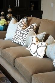 brown couch throw pillows