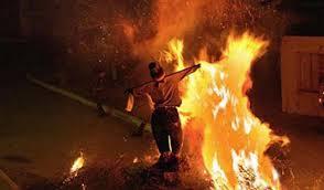 Αποτέλεσμα εικόνας για το κάψιμο του ιούδα φωτο