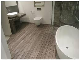 incredible bathroom laminate flooring 7 best laminaat in de badkamer images on bathroom