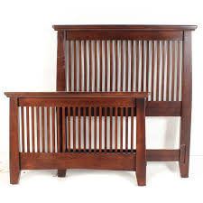 American Signature Mission Style Twin Size Bed Frame : EBTH