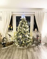 Mesh Christmas Tree Light Covers Mrs Hinch Reveals Her Christmas Tree To Fans And Of Course