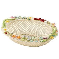 belleek clic queen s royal gift basket to view a larger image