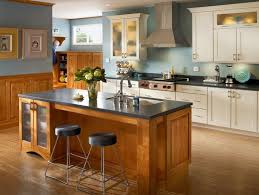 KRAFTMAID Bringing The Sink Into The Island Helps Create A Fully Functional  Work Triangleu2014perfect For Any Chef.