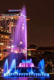 Tower Of Light Orlando Florida Lake Eola Historic Fountain In Downtown Orlando Fl In 2020